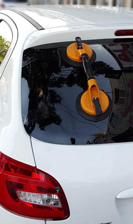 نصب و تعویض شیشه خودرو  - مجله فروشگاه اینترنتی ولاش پارت